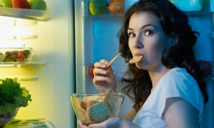 Does Eating At Night Make You Fat?