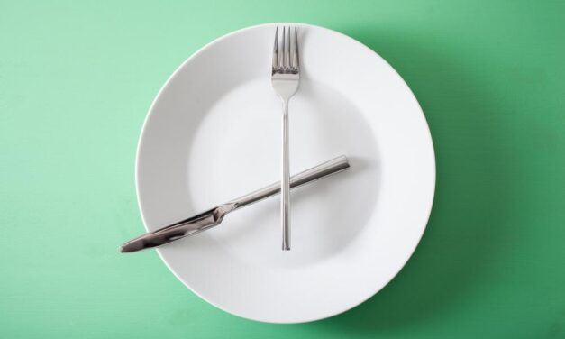 The Difference Between Intermittent Fasting and Time-Restricted Eating