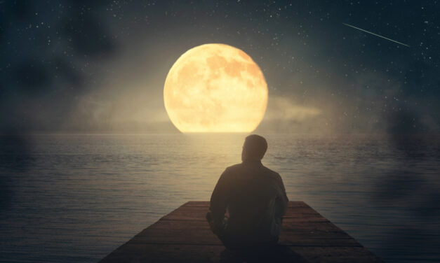 Try This One-Day Water Fast for the Fall Equinox Full Moon