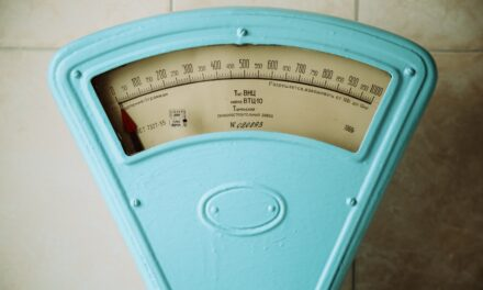Metabolism May Not Slow After 20 – So Why Do We Still Gain Weight?